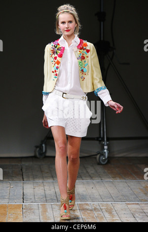Moschino Cheap and Chic Milan Ready to Wear S S Cropped ...