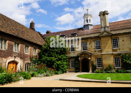 Trinity Hall, founded in 1350, the fifth oldest surviving college of the University of Cambridge. - Stock Photo