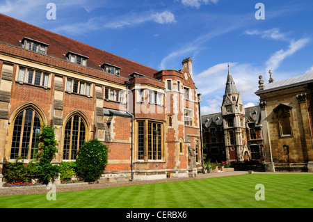 Old Court at Pembroke College, founded in 1347, it is a constituent college and the third oldest of the University - Stock Photo