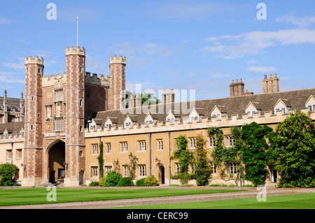 The Great Gate and Court of Trinity College, a constituent college of the University of Cambridge. - Stock Photo