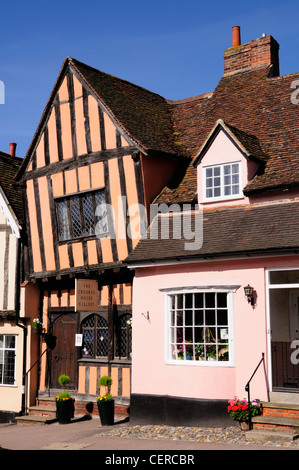 The Crooked House Gallery in a medieval building built around 1395 by a wealthy cloth merchant. - Stock Photo