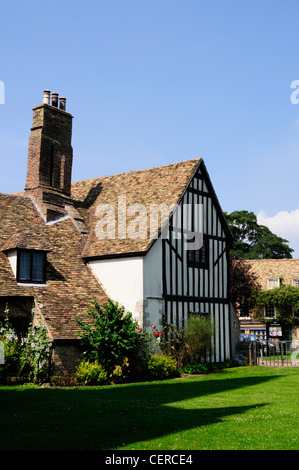 The house where Oliver Cromwell and his family lived from 1636-1647. It now houses the Ely Tourist Information Centre. - Stock Photo