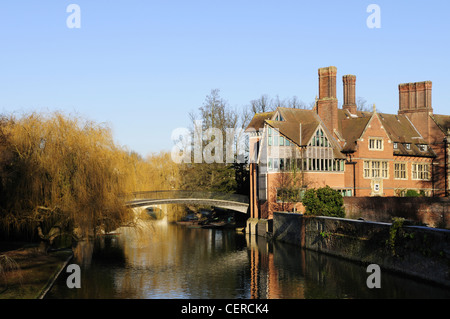 The Jerwood Library at Trinity Hall College by the River Cam in winter. - Stock Photo