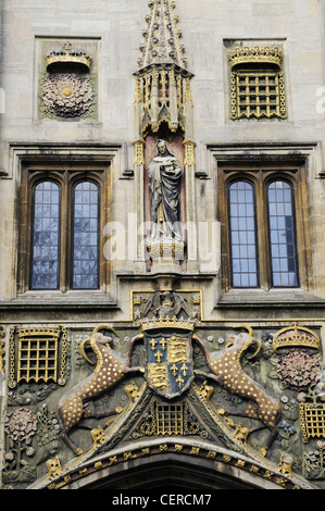 Detail of Christ's College 16th century gatehouse featuring the coat of arms of Lady Beaufort. - Stock Photo