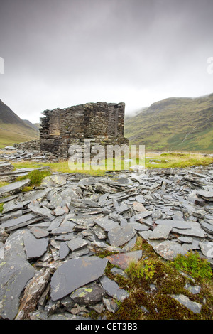 The remains of the abandoned Llyn Cwmorthin Slate Mine high above Blaenau Ffestiniog in the Snowdonia National Park. - Stock Photo