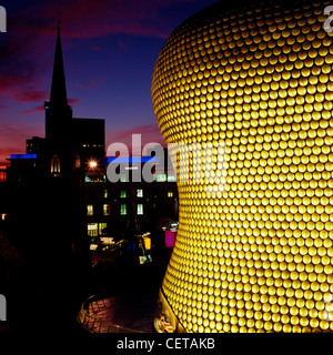 Exterior of Selfridges at night. Completed in 2003 it constitutes part of the Bullring shopping centre situated - Stock Photo