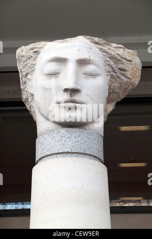 Close up of the Emily Young sculpture 'Angel III'(2003), St Paul's Cathedral Churchyard, London, UK. - Stock Photo