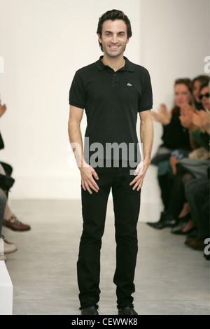 Balenciaga Paris Ready To Wear S S Designer Nicolas Ghesqui Re Wearing Black T Shirt And Jeans Smiling Showing Teeth Audience Stock Photo Alamy