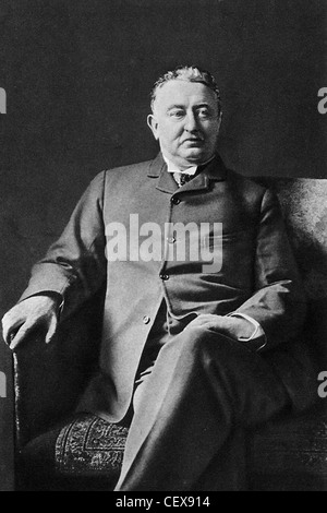CECIL JOHN RHODES (1853-1902) South African politician and  mining businessman who founded the De Beers diamond - Stock Photo