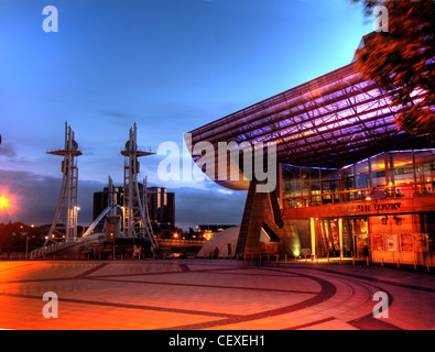 Lowry Centre Salford Quays Theatre at dusk - Stock Photo