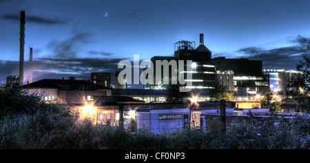 Lever chemical factory (soap powder) at night, Bank Quay, Warrington, Cheshire, England, UK - Stock Photo