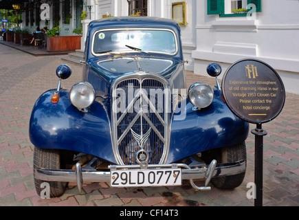 Vintage French Citroën Traction-Avant 1940s car, Hanoi, Vietnam - Stock Photo