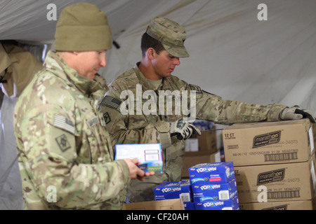 US Army, cooks to the rescue at Combat Outpost Arian - Stock Photo