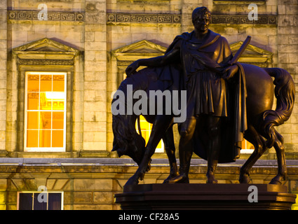Statue of Sir John Hope, the 4th Earl of Hopetoun, a noted soldier born at Hopetoun House in Edinburgh. The statue - Stock Photo