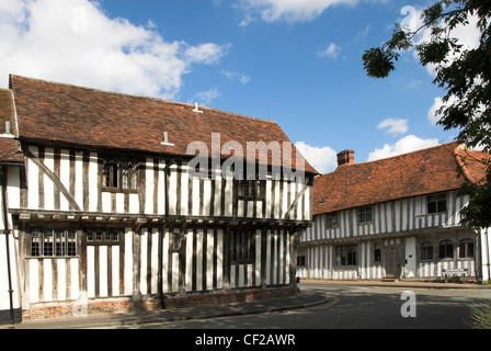 Half-timbered medieval houses in the village of Lavenham. - Stock Photo