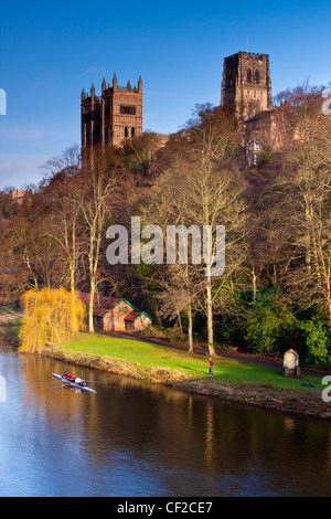 Rowing on the River Wear below Durham Cathedral. - Stock Photo