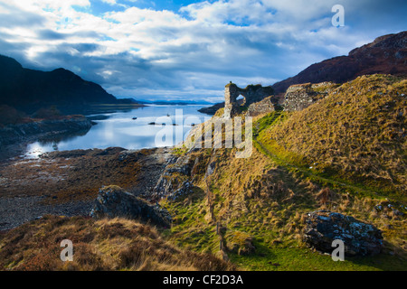 The enigmatic ruins of Strome Castle, situated alongside Loch Carron. - Stock Photo