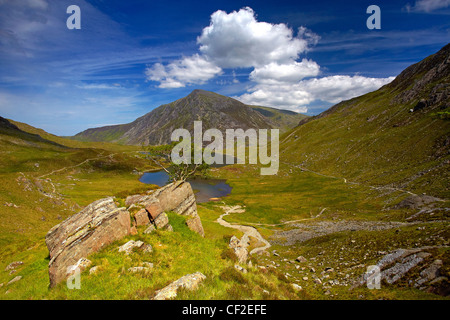 View of Pen Yr Ole Wen, the seventh highest mountain in Snowdonia and in Wales, from a path above Llyn Idwal in - Stock Photo
