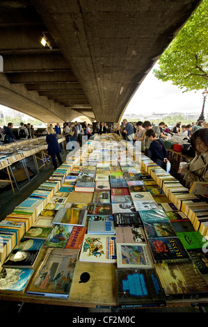 Secondhand books for sale at Southbank Book Market under Waterloo Bridge. - Stock Photo