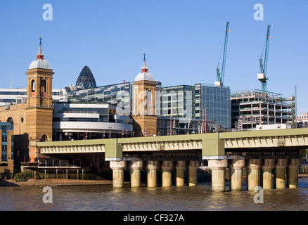 Cannon Street railway bridge and station over the River Thames. - Stock Photo