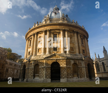 Radcliffe Camera in Oxford, designed by James Gibbs in the English Palladian style and built in 1737-1749 to house - Stock Photo