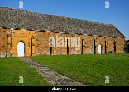 Historical 15th century Swalcliffe Barn now a museum in Oxfordshire. - Stock Photo