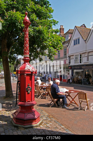 The colourful town pump in the centre of the historical market town of Faversham. - Stock Photo