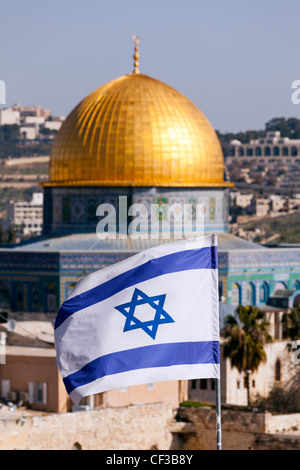 Israel,Jerusalem, flag of Israel and the Dome of the Rock mosque - Stock Photo