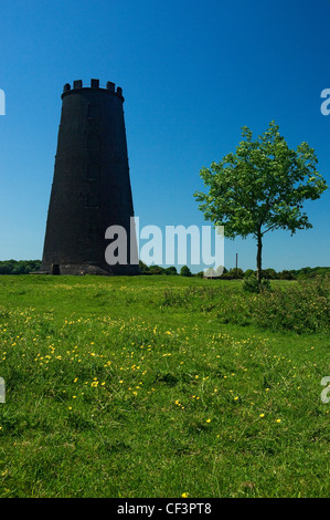 The Black Mill monument in pasture land known as Beverley Westwood. - Stock Photo
