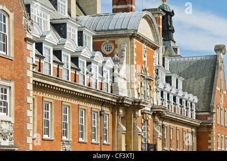 Cedar Court Grand Hotel & Spa (formerly NER then GNER Headquarters). - Stock Photo