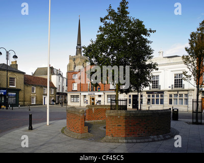 General view of Market Square on a non-market day. Stowmarket gets its name from the Anglo-Saxon word 'Stow' meaning - Stock Photo