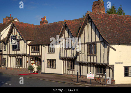 Exterior of the Swan Hotel and Restaurant in Lavenham. - Stock Photo