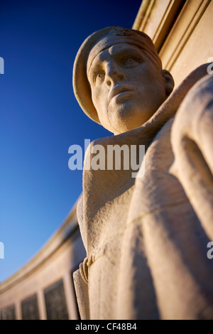 Royal Marine Commando statue at the cenotaph on Plymouth Hoe. - Stock Photo