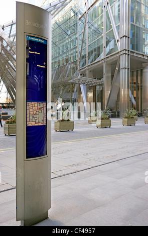 Primrose Street sign in front of 201 Bishopsgate. - Stock Photo