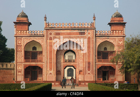India, Uttar Pradesh, Agra, Itimad-ud-Daulah, gate, - Stock Photo