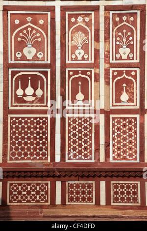 India, Uttar Pradesh, Agra, Itimad-ud-Daulah, gate, detail, - Stock Photo