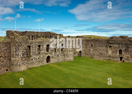 The inner ward of Beaumaris Castle, the last and largest of the castles to be built by King Edward I in Wales. Construction - Stock Photo