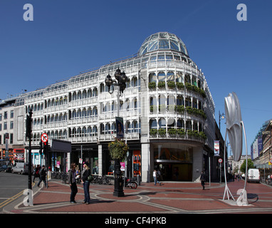 Stephen's Green Shopping Centre, centrally located in the heart of the most prestigious shopping area of Dublin - Stock Photo