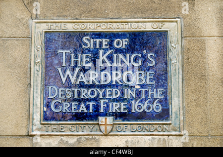 Blue plaque marking the site of the King's Wardrobe, destroyed in the Great Fire of London 1666. - Stock Photo