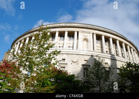 Manchester Central Library in St Peter's Square, built in 1934 and often compared to Emperor Hadrian's Pantheon - Stock Photo