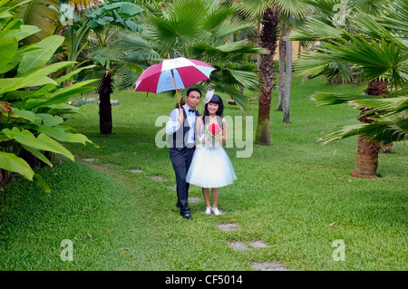 Terrific Young Couple Posing For Wedding Pictures In Central Park New York  With Luxury  Bride And Groom Vietnamese Wedding Park Hoi An Vietnam  Stock Photo With Beautiful West Green Gardens Also Jobs Covent Garden In Addition Swiss Garden Biggleswade And Cheap Garden Hoses As Well As Garden Centres In Fife Additionally Gardening Hand Tools From Alamycom With   Luxury Young Couple Posing For Wedding Pictures In Central Park New York  With Beautiful  Bride And Groom Vietnamese Wedding Park Hoi An Vietnam  Stock Photo And Terrific West Green Gardens Also Jobs Covent Garden In Addition Swiss Garden Biggleswade From Alamycom