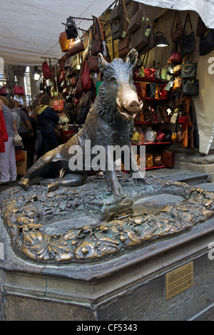 Il Porcellino bronze wild boar, Mercato Nuovo, Florence, Tuscany, Italy, Europe - Stock Photo