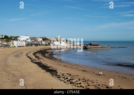 A sweeping view of Viking Bay on the Kent coastline. - Stock Photo