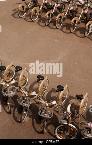 push bikes to rent in Paris France standing in a line taken from above - Stock Photo
