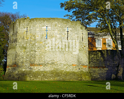 The Multangular Tower (York's only remaining Roman tower) in Museum Gardens. The tower was probably built in the - Stock Photo