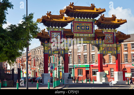 The Imperial Arch (opened 2000) marking the entrance into Chinatown in Liverpool, one of the oldest established - Stock Photo