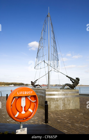 The Mariners Sculpture by Sam Holland on the banks of the River Medway at St. Mary's Island. The sculpture was commissioned - Stock Photo