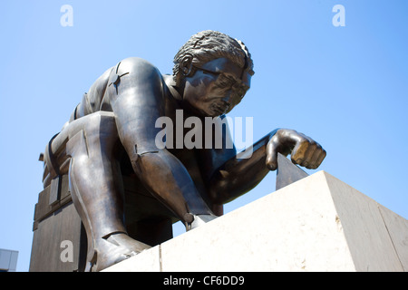 A 4m tall bronze sculpture by Sir Eduardo Paolozzi of Sir Isaac Newton interrogating the universe with dividers, - Stock Photo