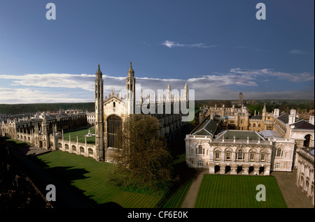 KIngs College in Spring. Founded in 1441 by Henry VI, distinguished alumni include Patrick Blackett, Sydney Brenner, - Stock Photo