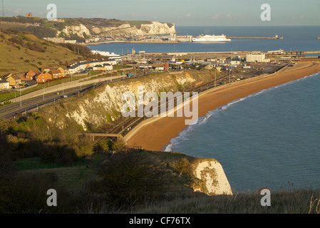 High level view of the Port of Dover and the white cliffs on the Kent coast. Dover, Kent, England - Stock Photo